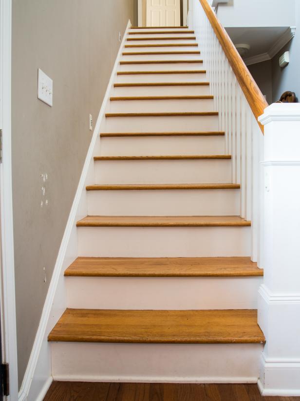 Escalier contremarches blanches