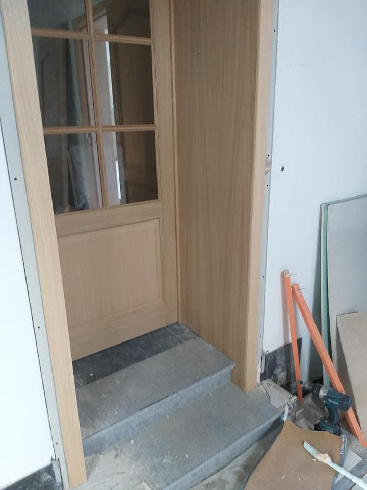 bloc porte en chêne avec vitrage rectangulaire