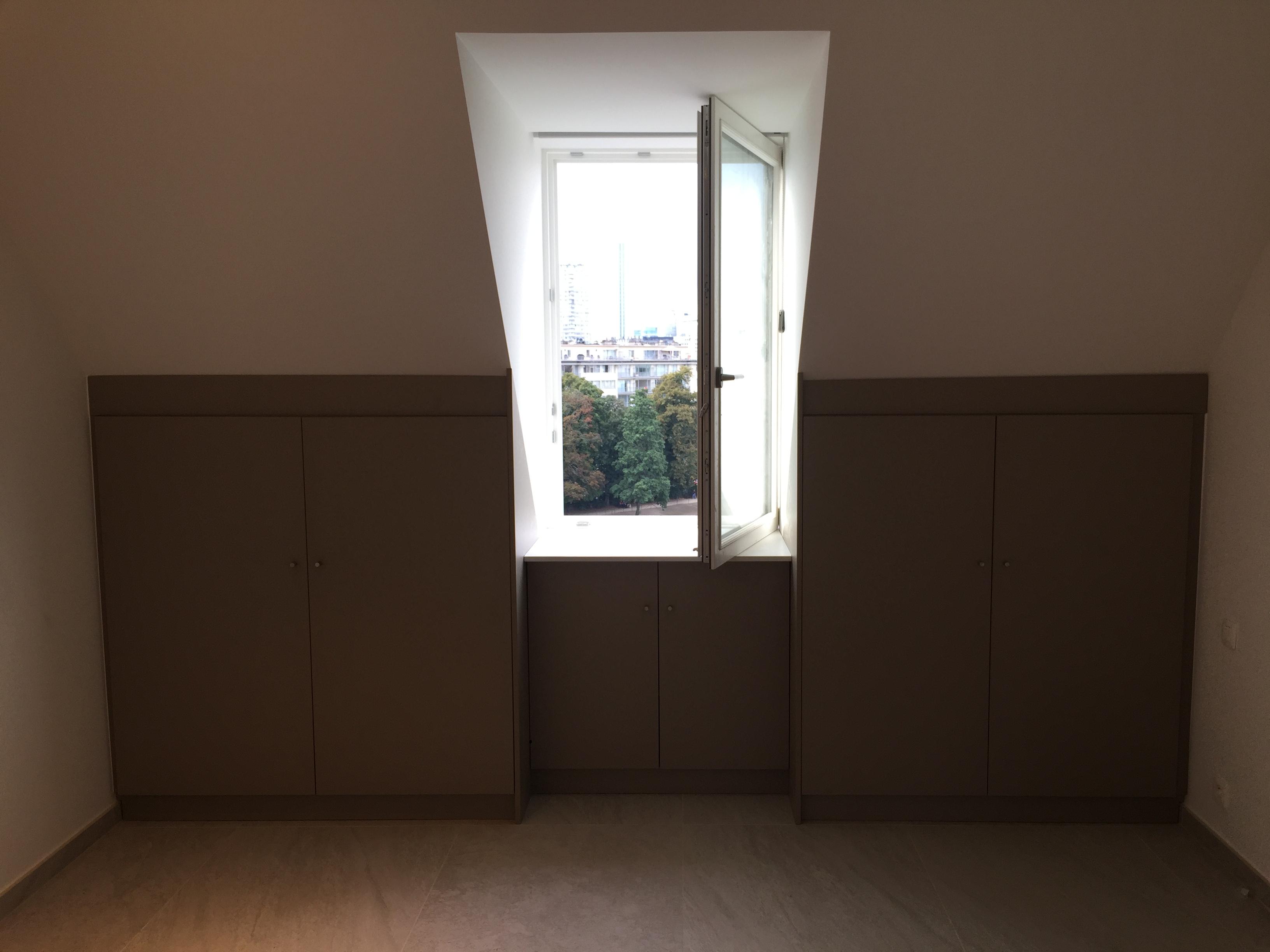 Aménagement de greniers - Espaces de rangement sous-pente et sur-mesure réalisé en partenariat avec Collectif Design