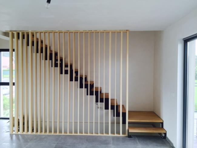 Pose de claustra pour escalier
