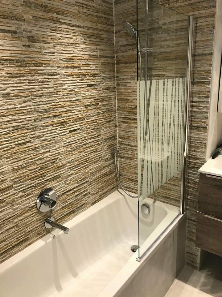Paroi salle de bain chantier appartement Knokke